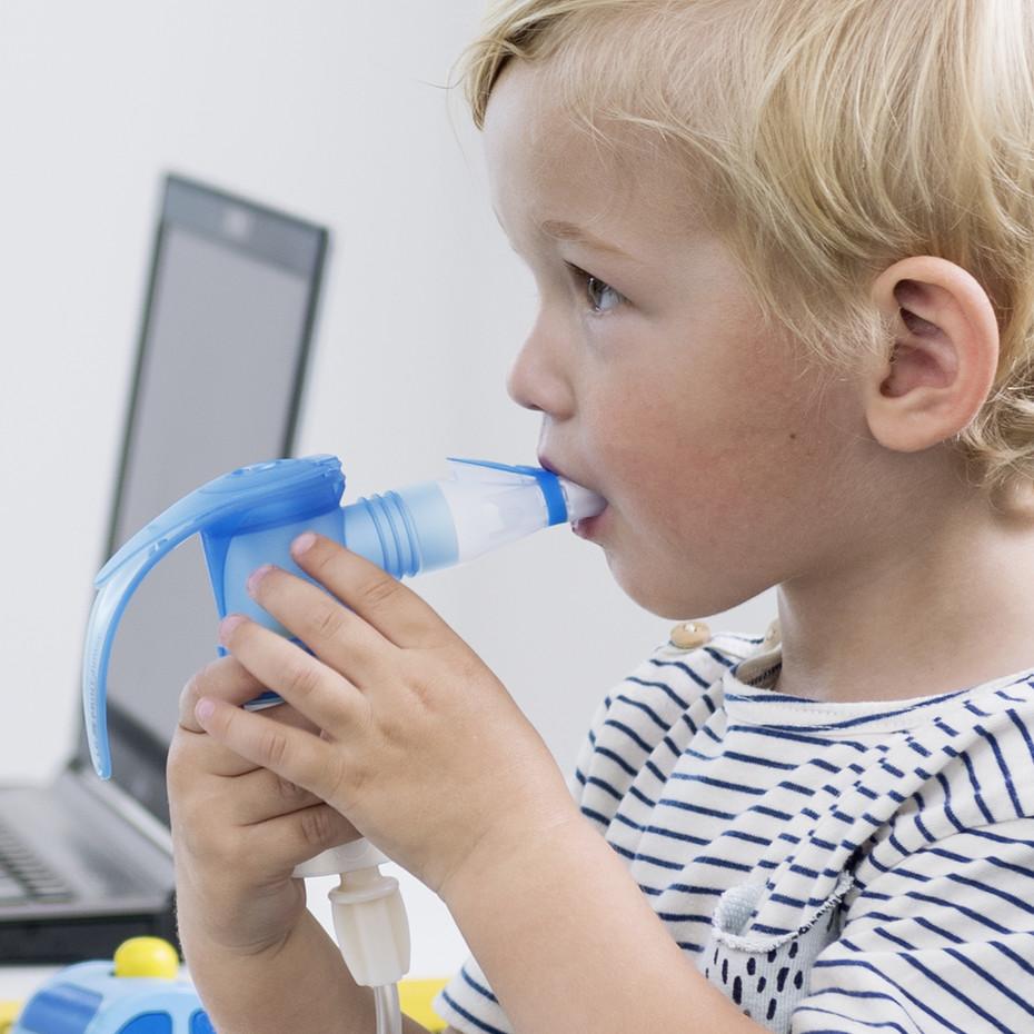 Inhalation mit Kindern