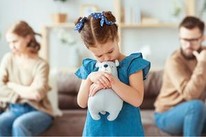 Die Pflicht zur Inhalation kann Konflikte und Belastung für die ganze Familie hervorrufen