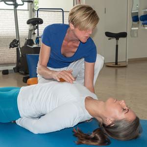 Dreh-/Dehnlagen und Brustkorbmobilisation