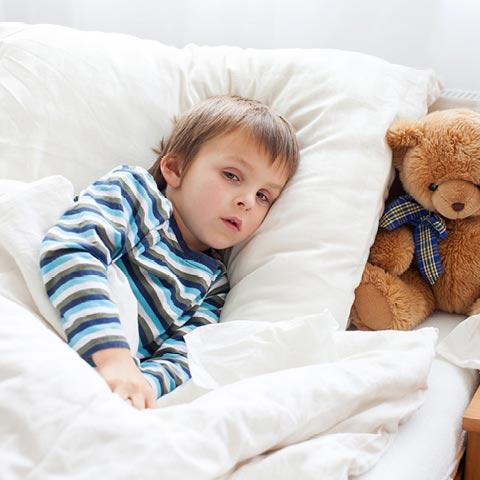 Haben Sie oder Ihr Kind auffälligen Husten? Sprechen Sie mit Ihrem Arzt.