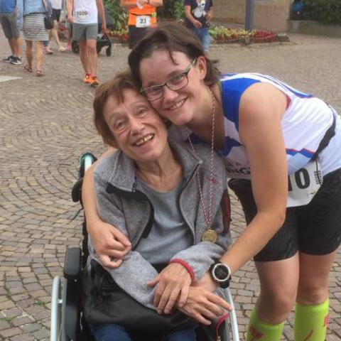 Laura mit Ihrer Mutter