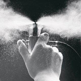 Düsen, die die Zerstäubung von Inhalationslösungen in lungengängiges Aerosol möglich machten