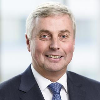 Dipl.-Kaufmann Jürgen Müller
